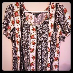 Sami & Jo Dress size Large Roses & Tiger Print🌷